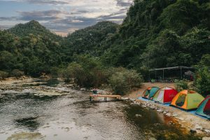 hangtien2 01 1500x1000  637195161488385608 300x200 - Ultimate Tips on How To Plan A Fun Camping Trip